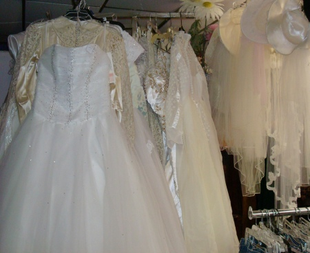 Used Vintage Wedding Dresses And Veils Bridal Gowns Accessories Costume Ideas
