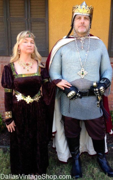 Pyramus & Thisby Costumes