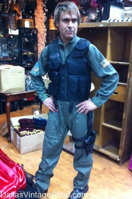 Get 90's Clothing & Costumes, 90's TV & Movie Characters, 90's Stargate SG-1 Characters and 90's Decades Attire is at Dallas Vintage Shop.