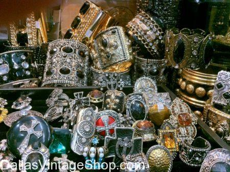 Mens Medieval and Renaissance Jewelry, Mens Renaissance Costume Jewelry, Mens Renaissance Royalty Jewelery, Renaissance Royalty Jewelry, Renaissance Costumes