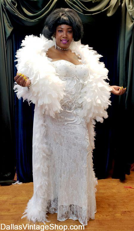 Mowtown Aretha Franklin Costume, Plus Dreamgirls Costumes, Queen of Soul Aretha Franklin Plus Size Outfit. Glamorous Aretha Franklin Gown from Dallas Vintage Shop.