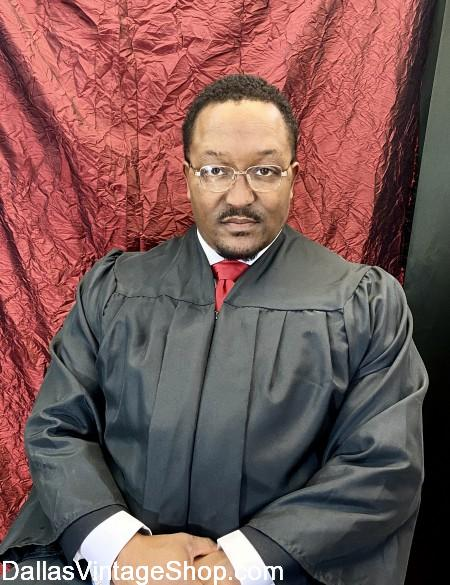 Clarence Thomas, Black Hisrory Men, Black History Clarence Thomas Costume, Clarence Thomas US Supreme Ct Justice Costume is from Dallas Vintage Shop.